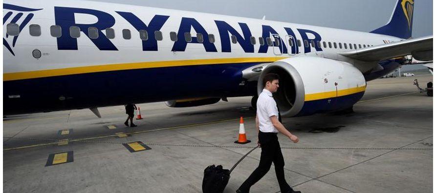 Ryanair, que había pedido a los pilotos que trabajaran para llevar a los pasajeros de vuelta...