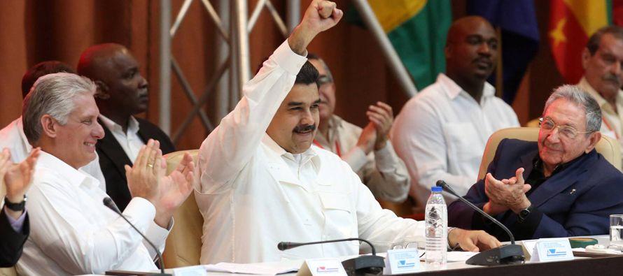 Si Maduro ilegaliza a la oposición, convertirá formalmente a Venezuela en una...
