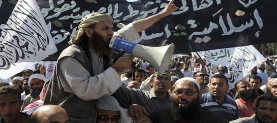 Los asaltantes se agruparon después del rezo del viernes en una mezquita cercana y se...