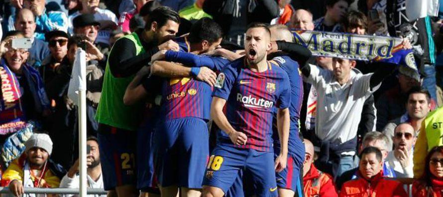 El Barcelona es el único equipo invicto tras la derrota el viernes del Atlético en la...