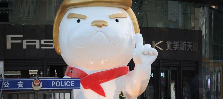 Como el año pasado, el Trump canino es claramente identificable por el color dorado del pelo...