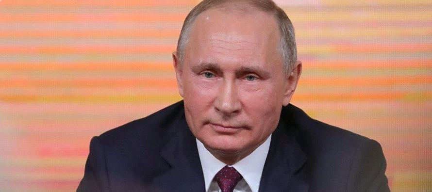 """Putin ha llamado a no cambiar ni un ápice el rumbo marcado por el Kremlin, ya que """"de..."""