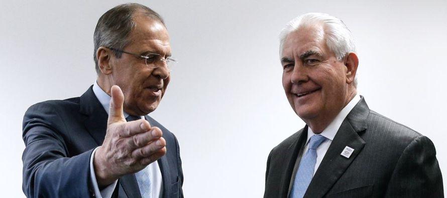La portavoz Heather Nauert informó que el secretario de Estado Rex Tillerson y el canciller...