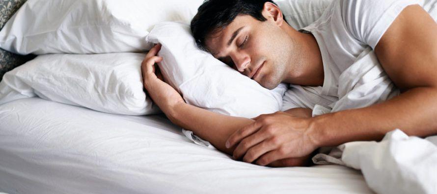 La falta de sueño también va acompañada de un mayor consumo de alimentos en...
