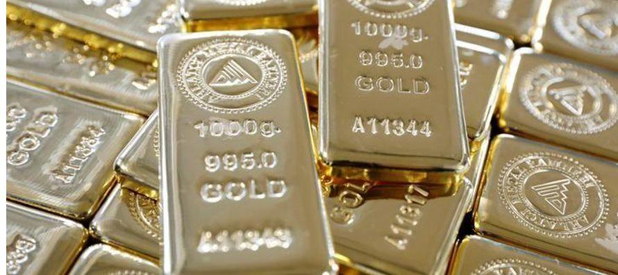 """""""La debilidad en el dólar está influyendo"""", dijo Naeem Aslam, analista de..."""