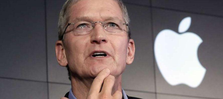 Apple hizo públicos los salarios de sus ejecutivos tras conocerse en los últimos...
