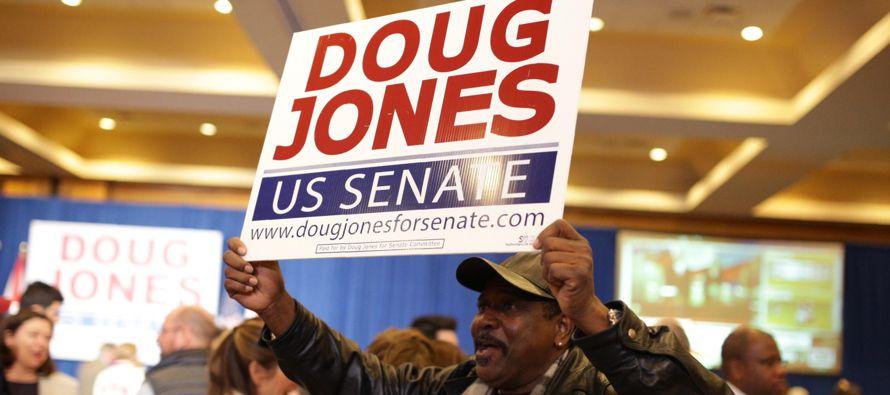 La campaña de Moore había pedido que la ratificación se retrasase hasta que se...