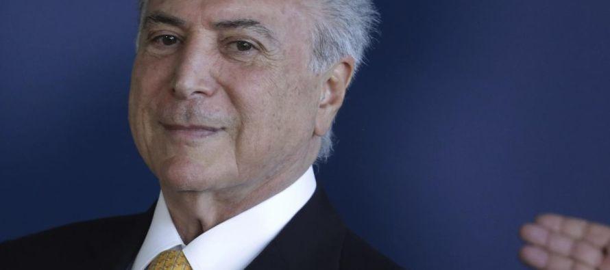 La jueza que encabeza la corte suprema de Brasil suspendió el jueves partes de un decreto de...