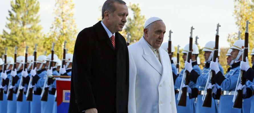 Durante su viaje a países africanos, a principios de esta semana, Erdogan había...