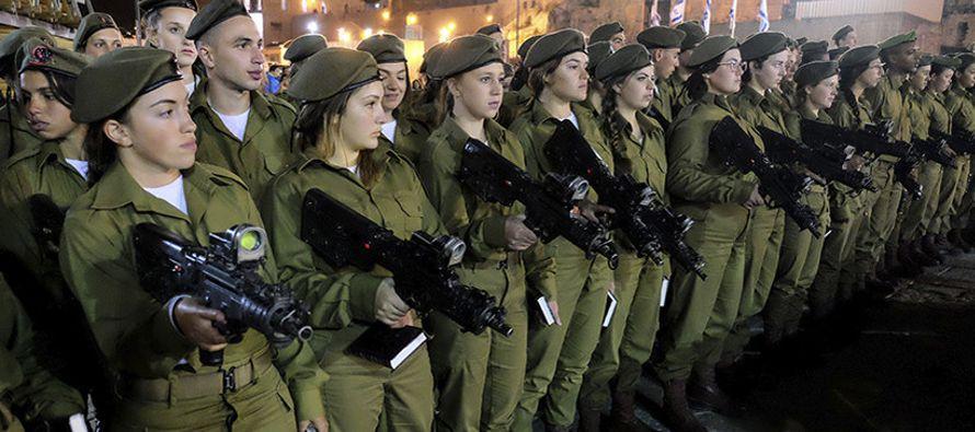 Todos los ciudadanos judíos, drusos y circasianos israelíes mayores de 18 años...