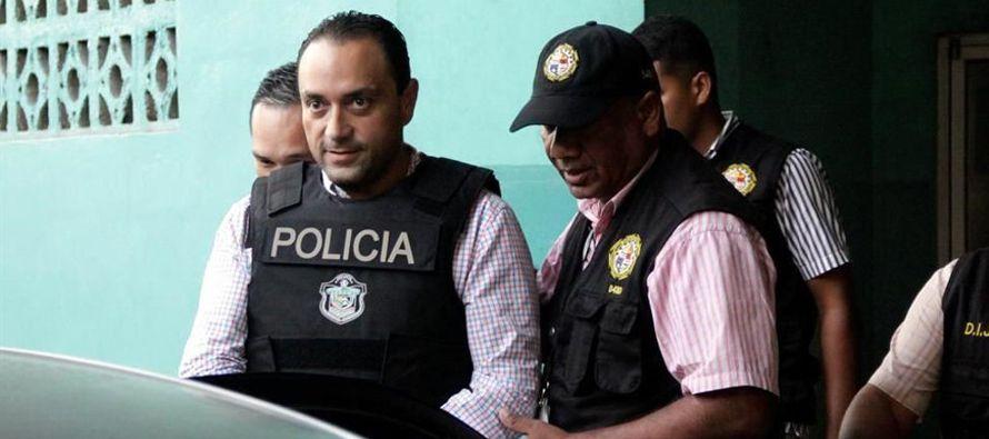 Borge y otras cuatro personas tenían orden de captura, emitida por un juez mexicano desde el...