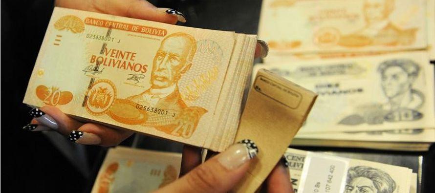 El Gobierno boliviano prevé cerrar 2017 con una subida superior al 4 % en su producto...