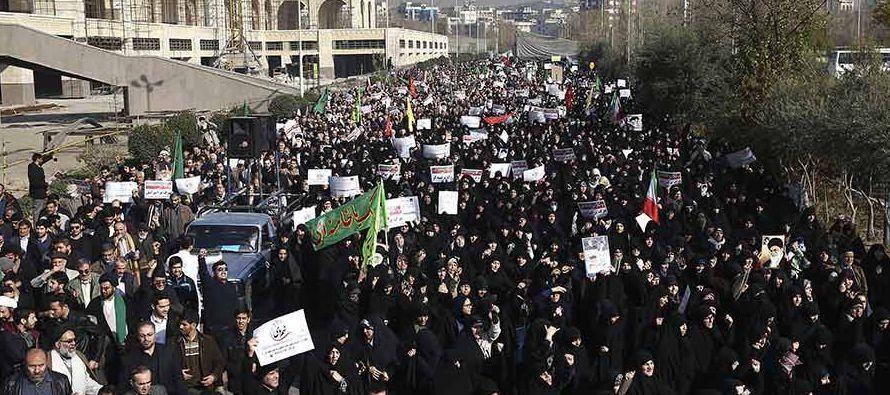"""El jefe del Gobierno israelí elogió a los """"valientes"""" manifestantes y sus..."""