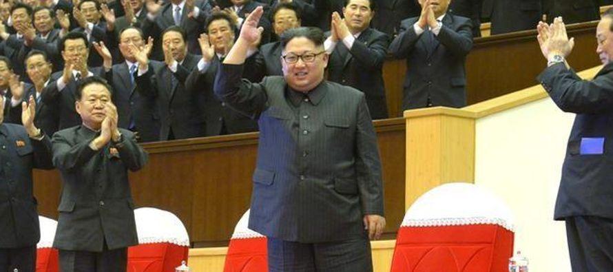 Tras un año dominado por palabras duras e inquietud por el programa de armamento nuclear de...