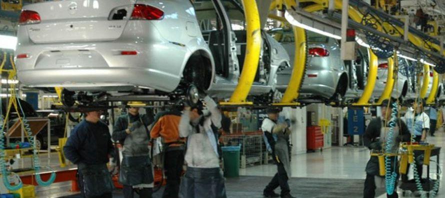 Del total de vehículos vendidos en el país, sólo 17,6% corresponden a la...