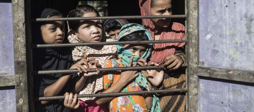 Tillerson viajó el pasado mes de noviembre a Birmania para abordar la grave crisis...