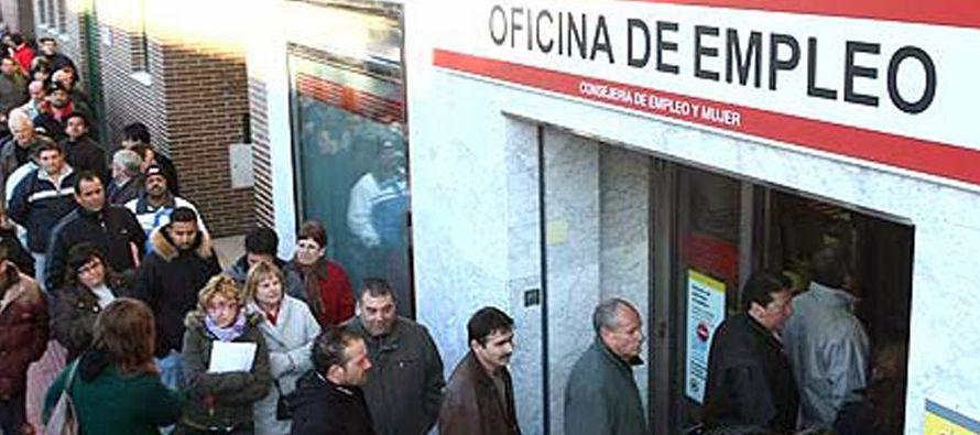 El número de desempleados registrados en los servicios públicos de empleo de...