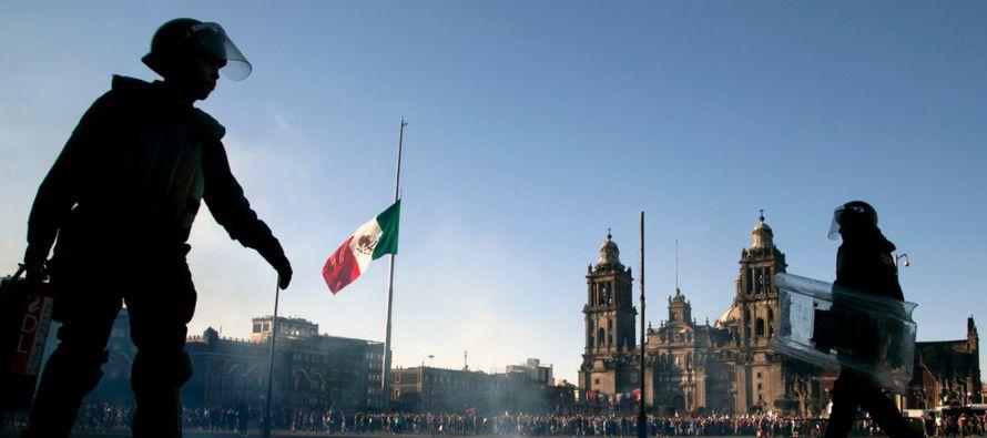 El dos veces candidato presidencial Andrés Manuel López Obrador ha tomado la...