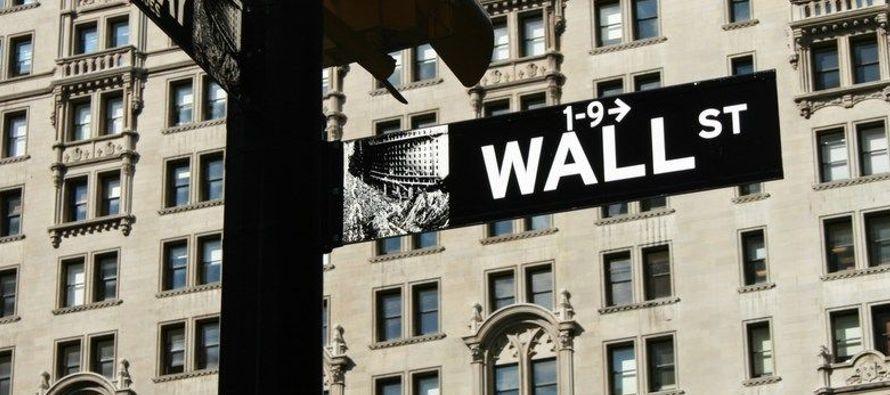 El selectivo S&P 500 avanzó un 0,70 % hasta 2.743,15 enteros, su cuarto récord...