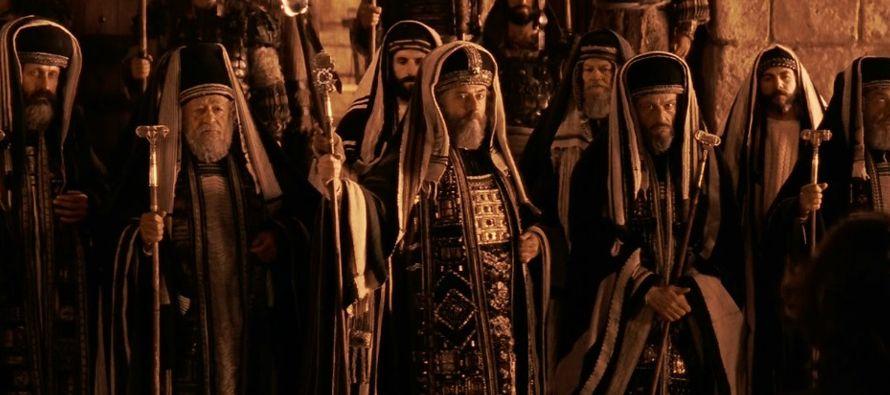 Muchos de los importantes episodios de la vida pública de Cristo se caracterizaron por su...
