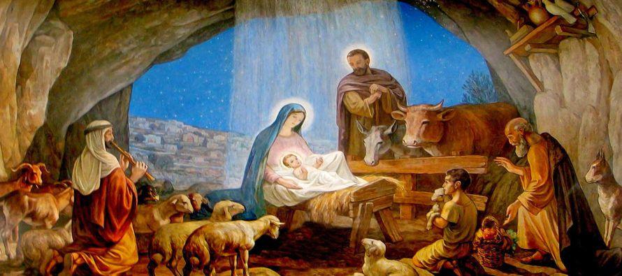 El nacimiento de Jesús, como su muerte, viene envuelto en paradoja. Vino como la respuesta...