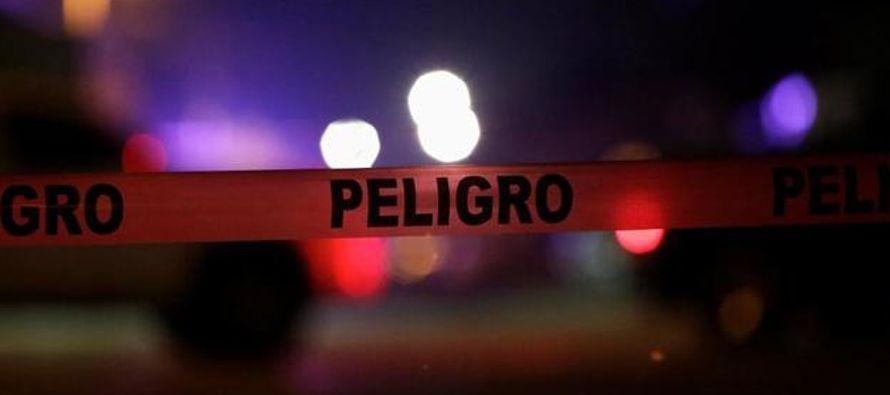 De hecho, en Chihuahua, la capital, hubo otros cuatro asesinatos, y los nueve restantes ocurrieron...