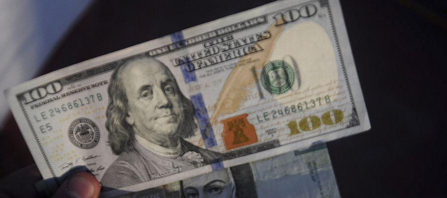 Este jueves la moneda mexicana se recuperó levemente, y lleva toda la mañana...