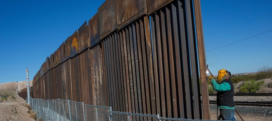 """El presidente se muestra comprensivo hacia México, al decir que """"entiende que hay..."""