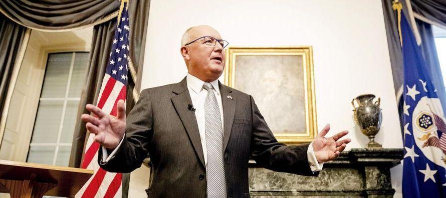 Peter Hoekstra podría haber sido recibido con los brazos abiertos como embajador en los...