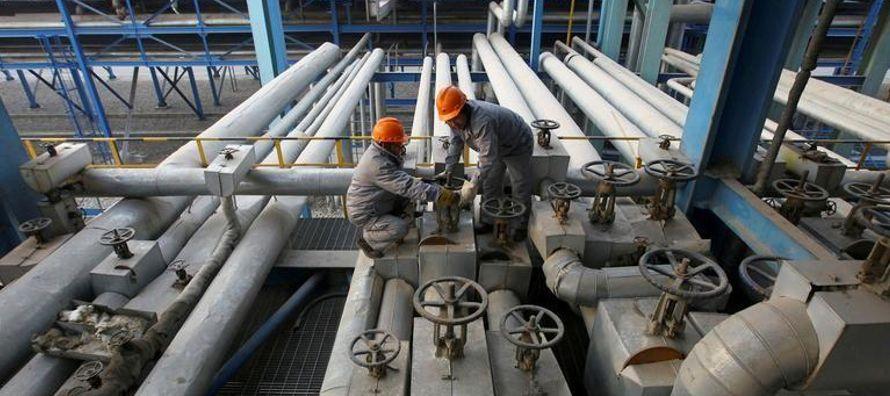 Como resultado, las refinerías de Asia procesaron la inédita cifra de 23 millones de...