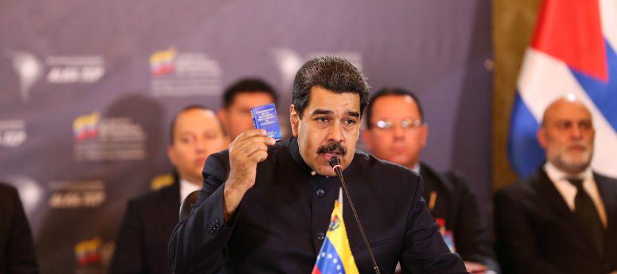 """El jefe de Estado venezolano afirmó que """"todas las transacciones comerciales y..."""