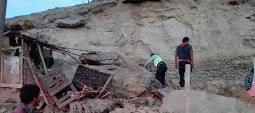 Un terremoto de magnitud 6,8 en la escala de Richter azotó hoy el sur de Perú y...