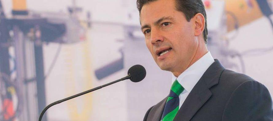 El secretario de Defensa Nacional, Salvador Cienfuegos, el de Hacienda, José Antonio...