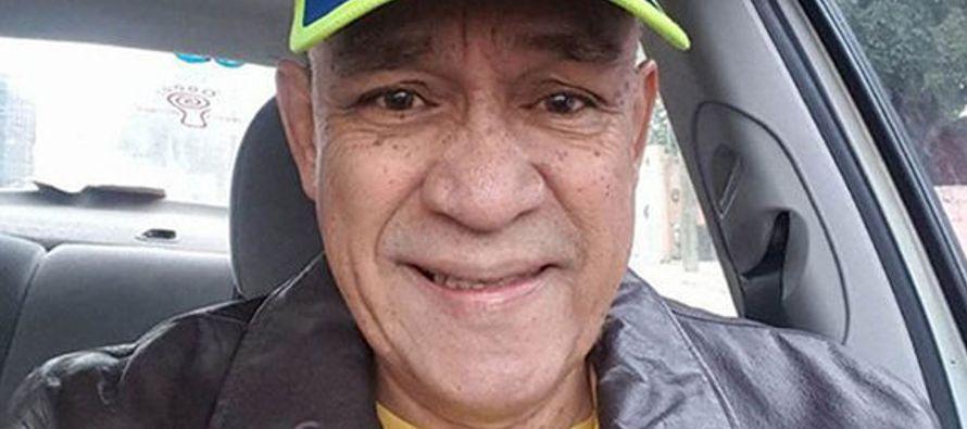 Domínguez, profesor y periodista independiente, fue apuñalado este sábado...