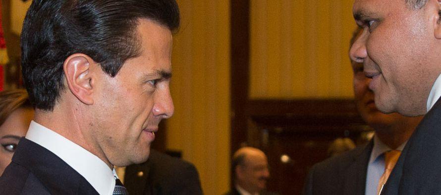 El presidente de México, Enrique Peña Nieto, fue declarado hoy Hijo Ilustre de la...