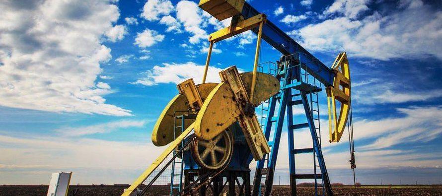 La demanda mundial de crudo creció en 2017 un 1,64 %, equivalente a 1,57 millones de...