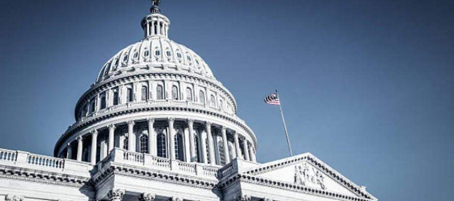 Los demócratas, que cuentan con 49 de los 100 asientos en el Senado, tan solo necesitan 41...