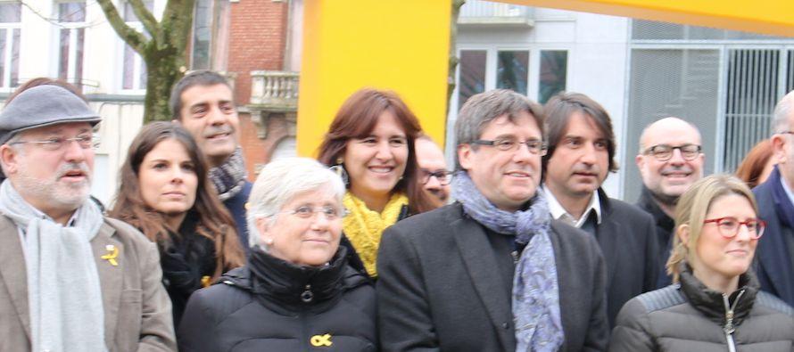 Puigdemont encabezó en las elecciones del 21 de diciembre pasado la lista de JxCat, el grupo...
