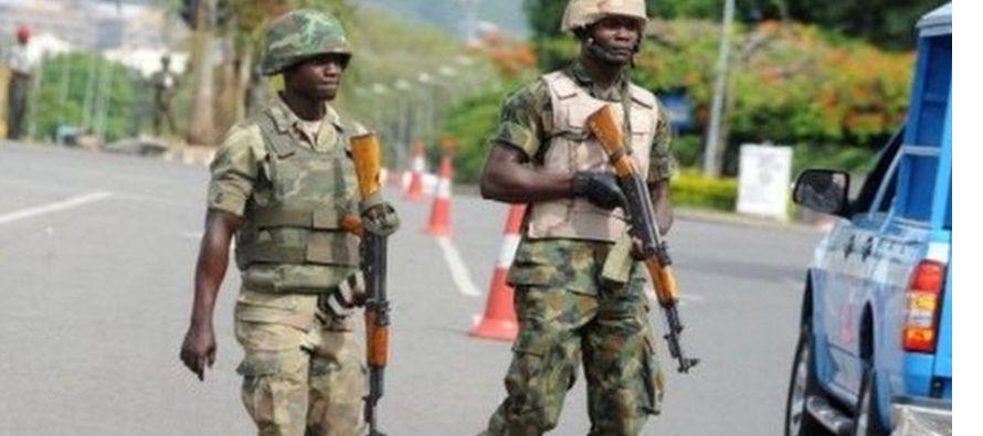Las fuerzas de seguridad sudanesas detuvieron hoy a decenas de seguidores del partido Al Umma (La...