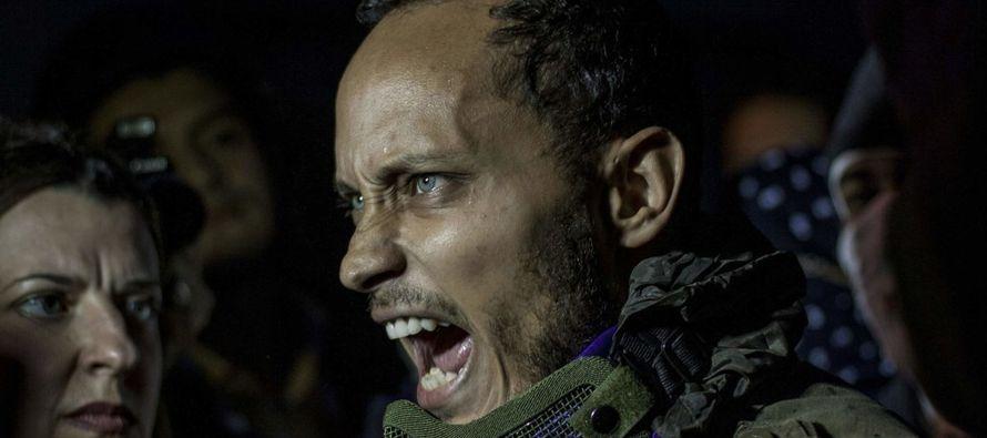 En pleno auge de una oleada de protestas populares, Pérez secuestró un...