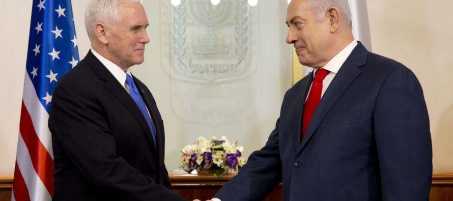 El mandatario israelí agradeció a Pence su apoyo a este reconocimiento, que...