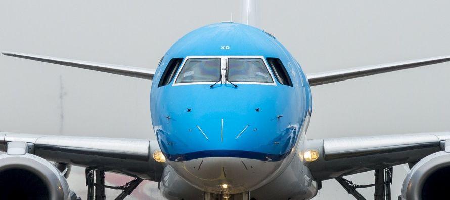"""""""Debido a problemas técnicos, el aparato regresa a Schiphol como medida de..."""