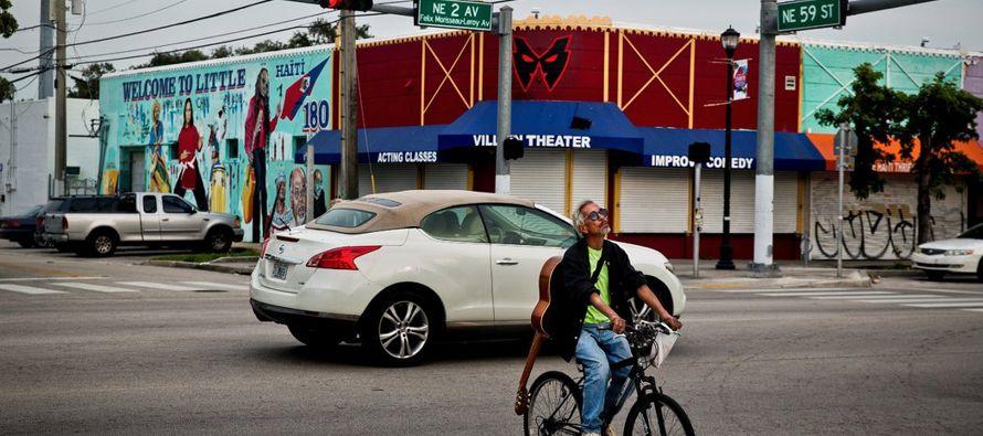 Aun así, el insulto presidencial también les sirve a algunos haitianos como...