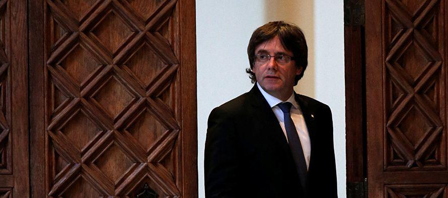 El presidente catalán cesado hizo esas declaraciones después de reunirse en Bruselas...