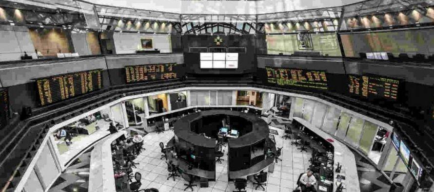 En la sesión se negociaron 326,3 millones de títulos en los mercados global y local,...