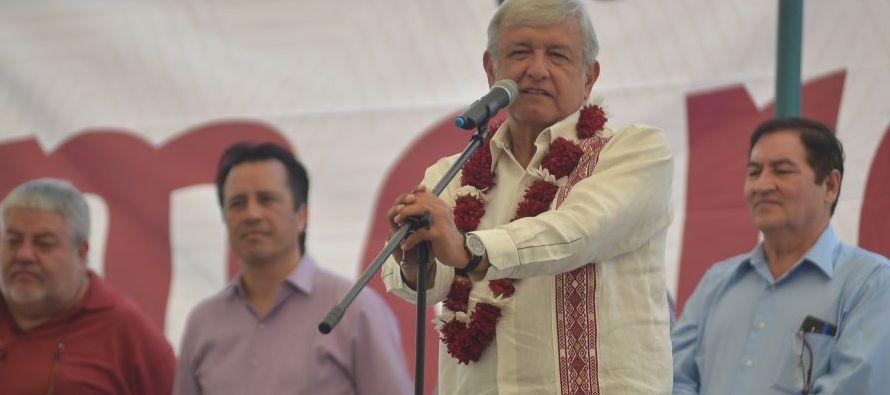 López Obrador y Anaya -quien encabeza la alianza opositora integrada por el Partido...