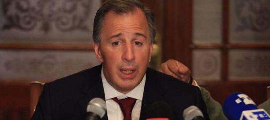 - Una encuesta difundida hoy coloca al aspirante presidencial oficialista, José Antonio...