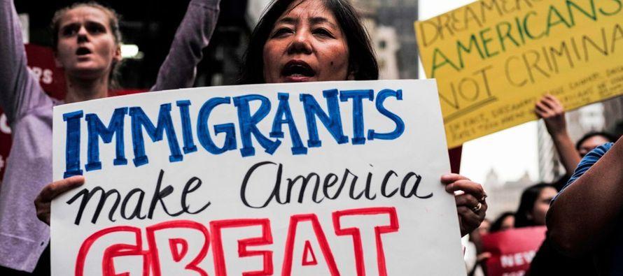 La inmigración ha estado en el centro del discurso político de Trump; en buena medida...