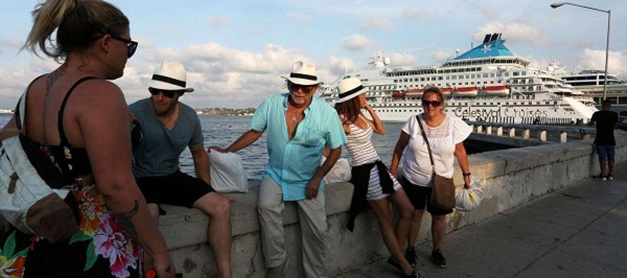 Una veintena de touroperadoras, agencias de viajes, aerolíneas y compañías de...