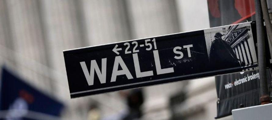 Las acciones cerraron con caídas por segundo día consecutivo el martes en la bolsa de...